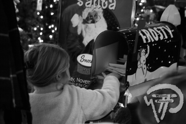 A youngster drops her letter offfor Frosty the Snowman to read. The Cape Codder DECEMBER 5, 2008page 15