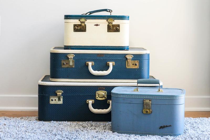 vintage train cases & suitcases