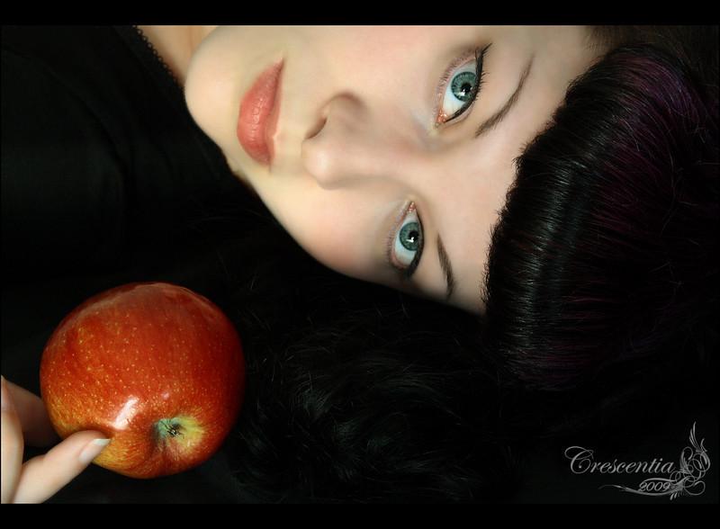 Model: Crescentia Moon<br /> Make Up: Crescentia Moon