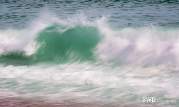 Cape's Waves