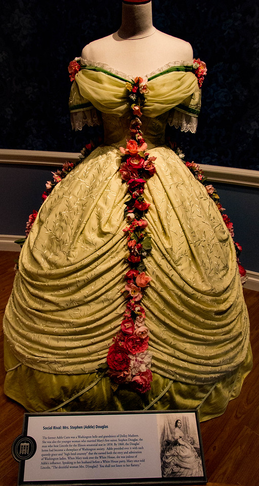 Dresses of Mary Lincoln's contemporaries.