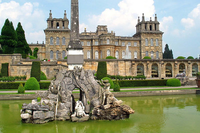 Fountain at Blenheim Palace  Blenheim Palace, near Woodstock, Oxfordshire. Home of the Duke of Marlborough. Birthplace of Sir Winston Churchill.