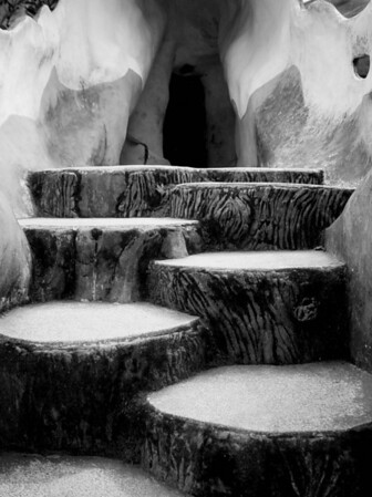 Concrete stump stairs. Hang Nga Guesthouse, Dalat. January 15, 2004.
