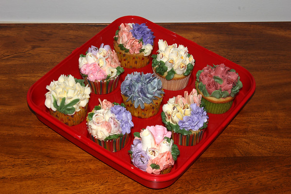 Abstract Flower Cupcakes