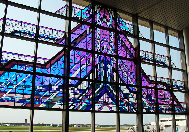 Monument Glass Art at the Airport
