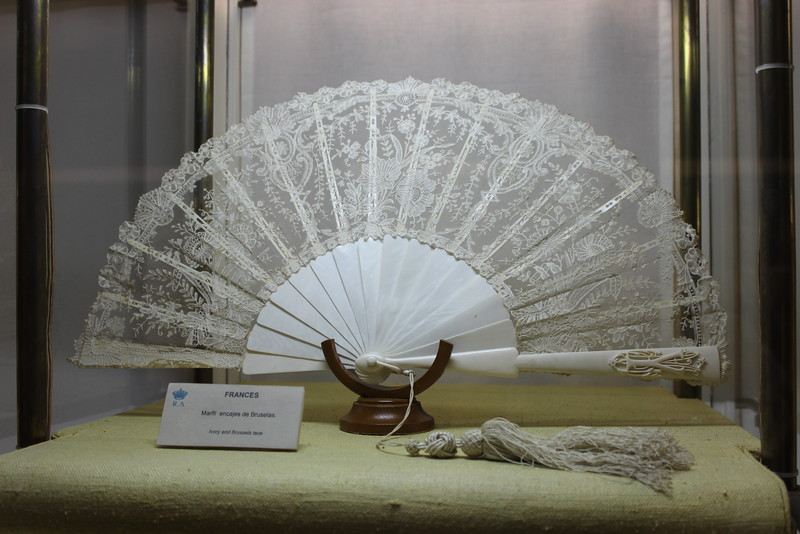 Ivory and Brussels Lace Fan