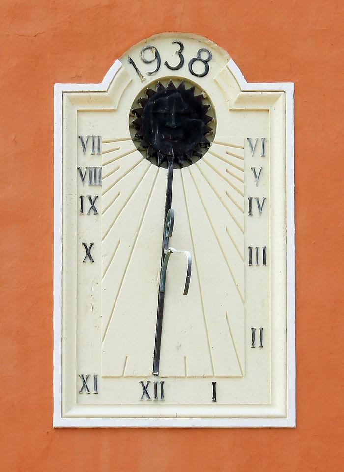 """""""Beach High"""" Clock"""