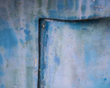 Blue cracked 566