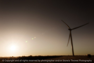 015-wind_turbine-story_co-16dec18-12x08-248-500-9066