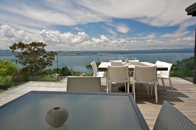 Acacia Cliffs Lodge - OUtdoor decks offer stunning views