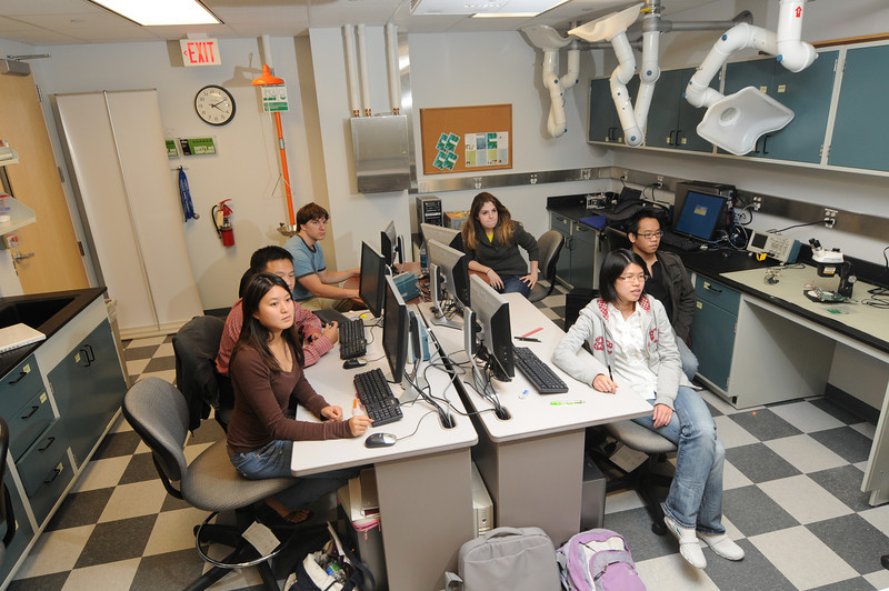 Nathalia Peixoto's Neural Engineering Lab. Photo by Creative Services