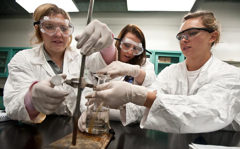 111012505 - Chemistry Lab, undergraduate students.  Photo by Alexis Glenn/Creative Services/George Mason University