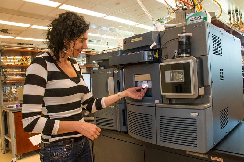 Senior Research Scientist Maria Basanta Sanchez at work in The RNA Institute.<br /> Photographer: Mark Schmidt