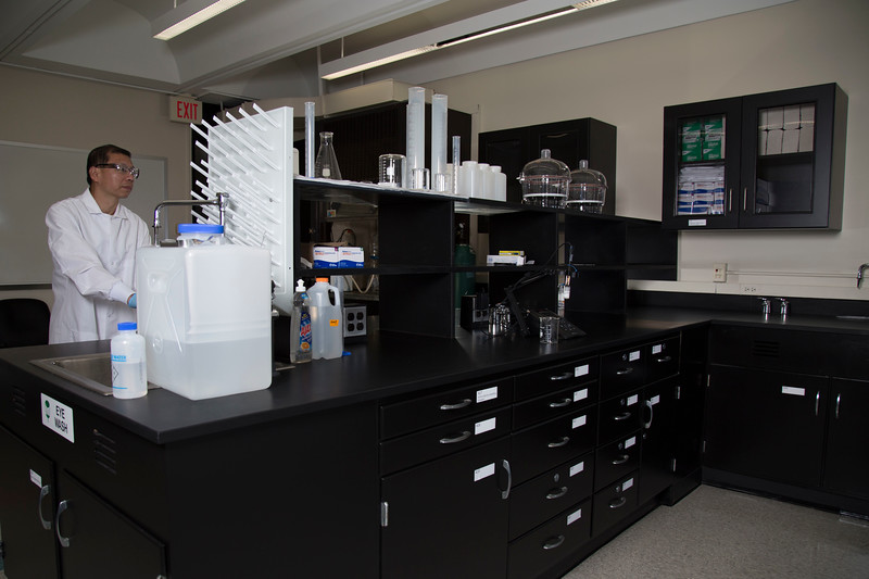 Inside the newly remodeled CEAS Lab at the University at Albany with Department Chair Dr. Yanna Liang. (photo by Patrick Dodson)