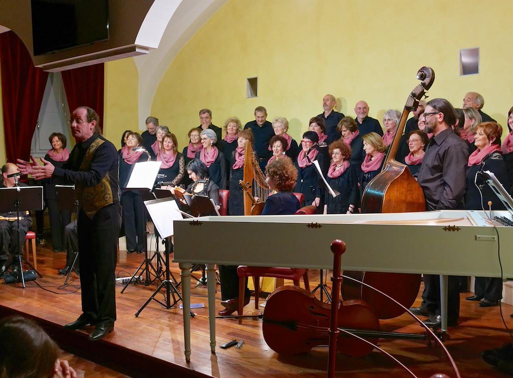 Enrico Euron e il Coro dell'Accademia