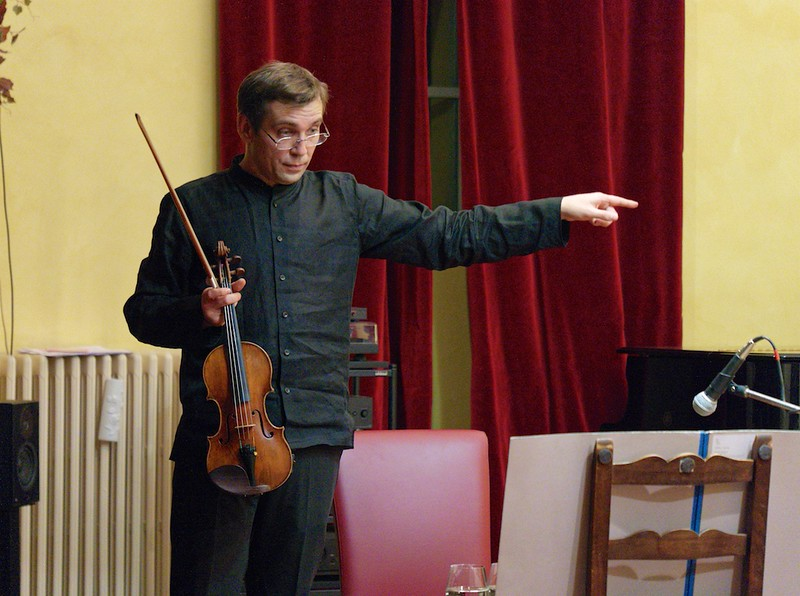 Adrian Pinzaru, violin