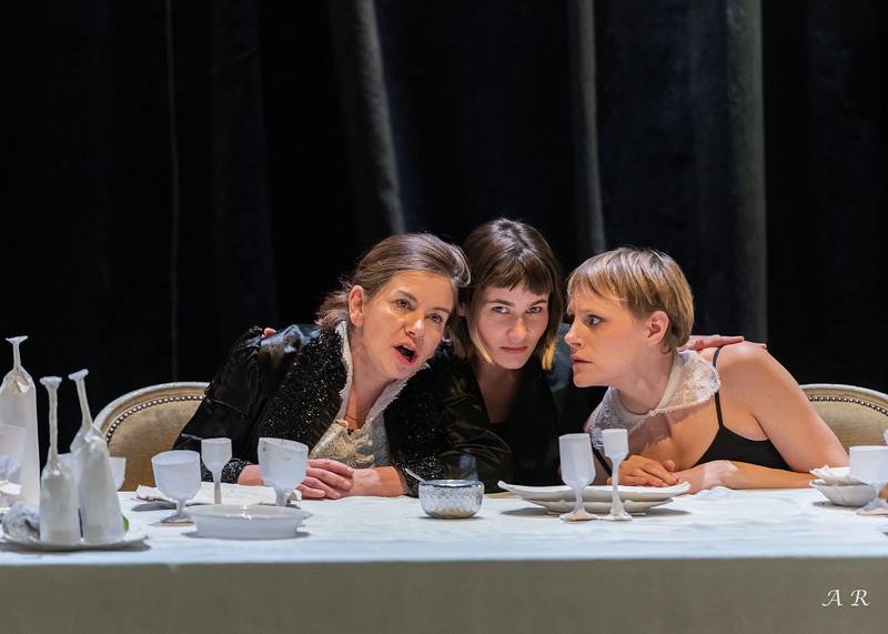 Catherine Pavet, Morgane Vallée, Deborah Marique