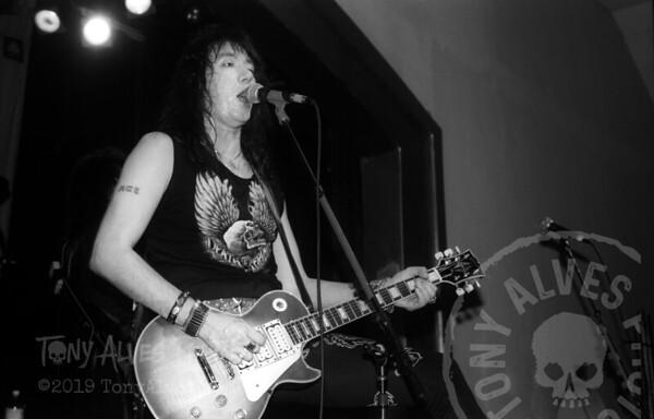Ace-Frehley-1990-04-07-BW_12
