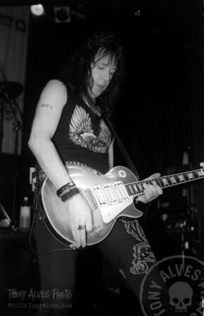 Ace-Frehley-1990-04-07-BW_06