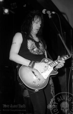 Ace-Frehley-1990-04-07-BW_02