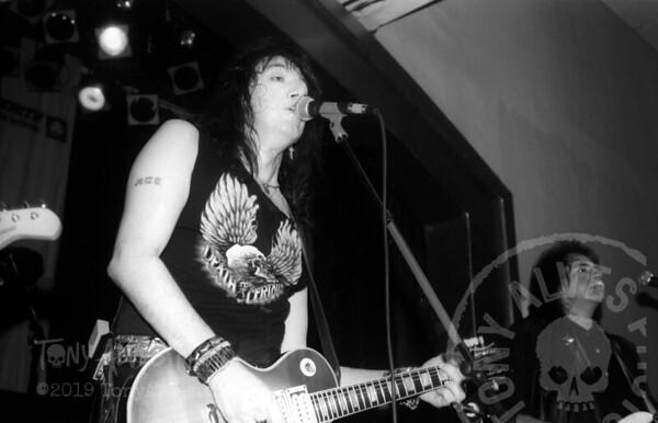 Ace-Frehley-1990-04-07-BW_17