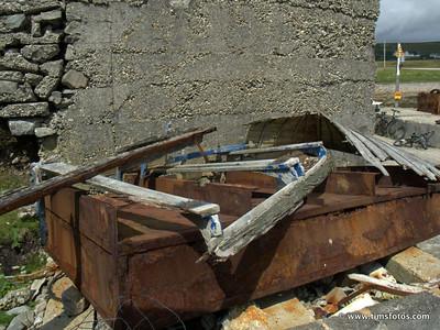 Boat for sale, needs repair