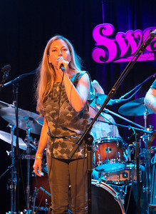 "Shana Morrison joined the band for a killer rendition of her dad's ""Into The Mystic"""