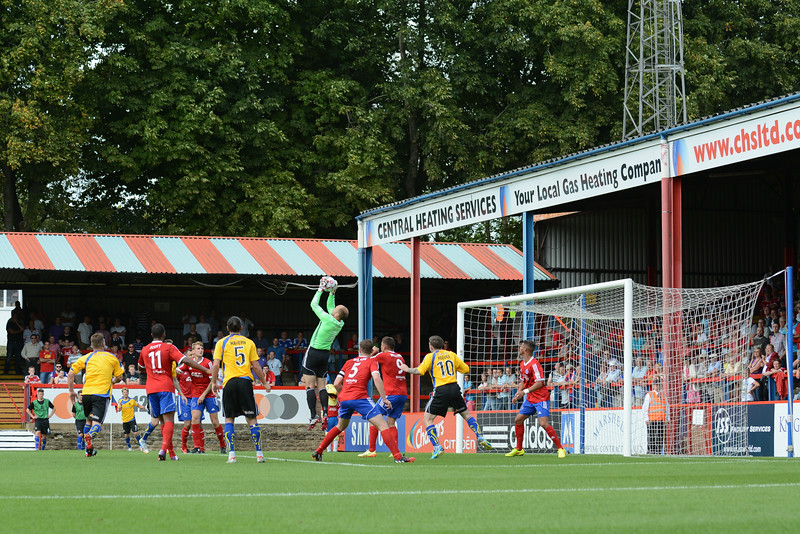 Phil Smith collects from a corner