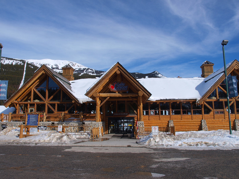 Lodge of the Ten Peaks<br /> Base Area<br /> Lake Louise Ski Area<br /> Banff National Park<br /> Alberta, Canada