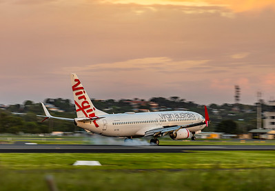 Virgin Australia Boeing 737-800 VH-YIS with new split scimitar winglets landing at Rockhampton Airport 2020-03-13
