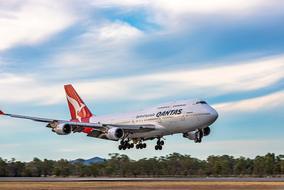 QANTAS Boeing B747-400ER VH-OEG landing at and overnighting at Rockhampton Airport 05-06-2019.