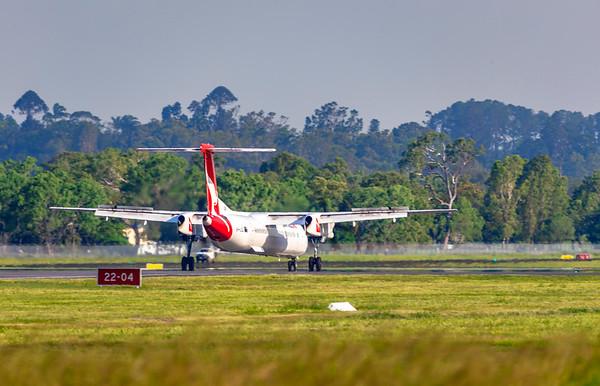 QANTAS De Havilland Dash-8 Q400 VH-LQL landing at Rockhampton Airport 16-01-19