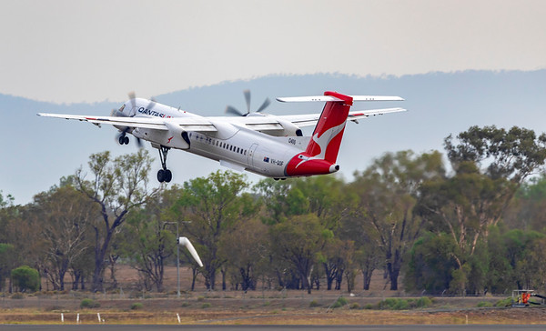 QANTAS De Havilland Dash-8 Q400 VH-QOF at Rockhampton Airport