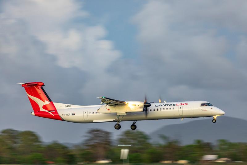 QANTAS De Havilland Dash-8 Q400 VH-QOR landing at Rockhampton Airport