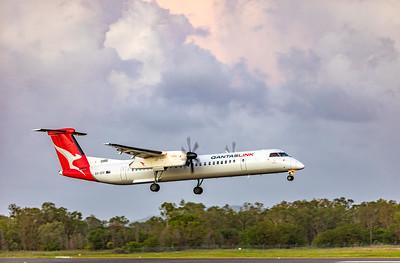 QANTAS De Havilland Dash-8 Q400 VH-QOV landing at Rockhampton Airport