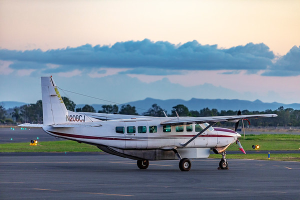 US Registered Cessna 208B Caravan registered to Skydive Saipan LLC at Rockhampton after making an emergency landing 22-03-2019.