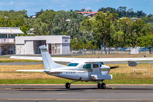 Handel Aviation Cessna 210R Centurion VH-ZID landing at Rockhampton Airport after an aerial survey of Rockhampton and Yeppoon 17-02-2019.