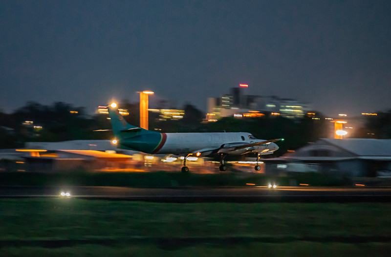Toll Aviation Fairchild Swearingen Metroliner VH-HPE landing at Rockhampton Airport 30-01-19.