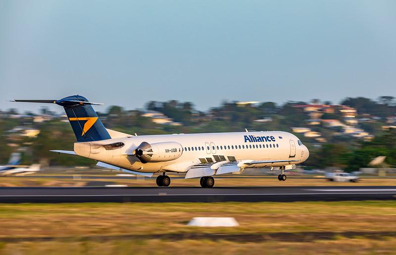 Alliance Airlines Fokker F100 VH-UQB landing at Rockhampton Airport 15-02-2019.