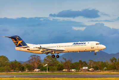 Alliance Airlines Fokker F100 VH-UQB landing at Rockhampton Airport