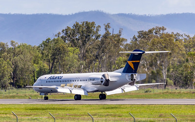 Alliance Airlines Fokker F100 VH-UQF landing at Rockhampton Airport