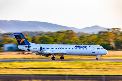 Alliance Airlines Fokker F100 VH-UQW landing at Rockhampton Airport 18-03-2019
