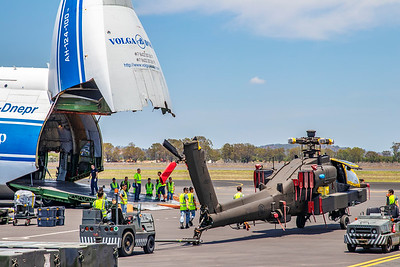 Exercise Wallaby 2018 - AN-124 loading