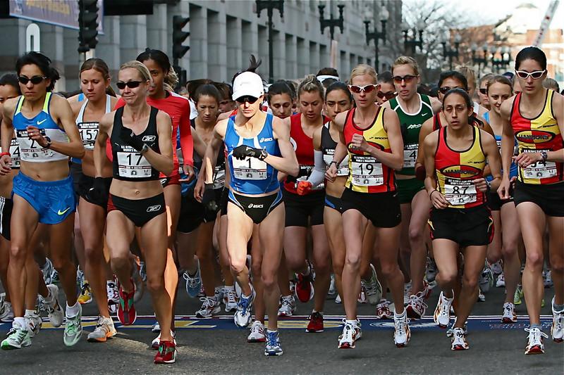 2008 US Women's Olympics Trials start. A light over Deena?