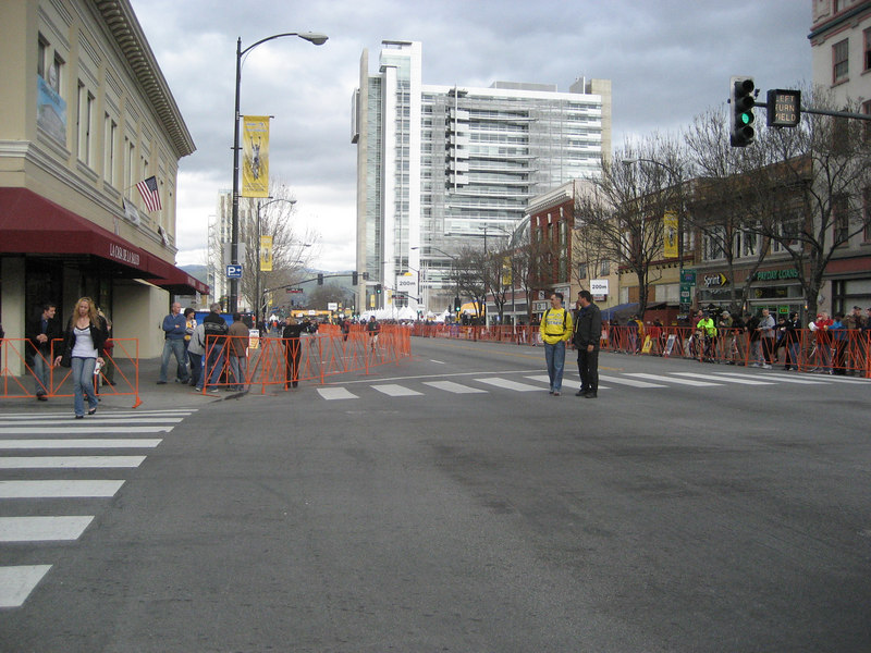 1.5 hrs before the cyclists come in