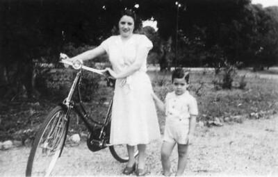 Lucas cerca 1953