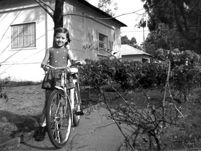 Laura António (filha de Azevedo António) - 6 anos - Lucapa - 1971