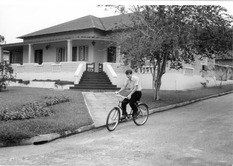 Jose' Joao Rocha Afonso em frente a' casa dele, K 205 rua 17