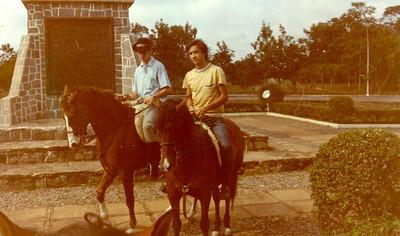Pipas e Vitó no Obelisco - 1972