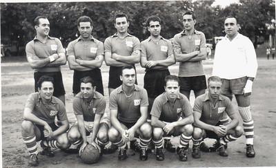 Futebol - ?, Alfredo Ribeiro, Joaquim Silva, ?, Taira, Sotta, ?, Laranjo, João Calado,  Alberto Costa,  ?, Sebastião Vaz